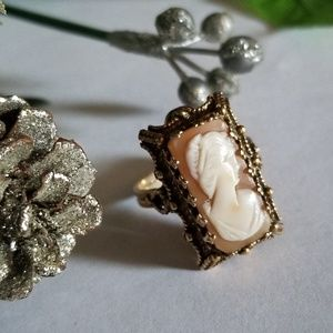 Exqusite 14k Vintage Cameo Ring